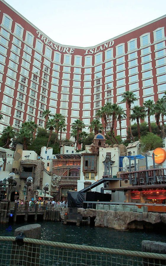 ✯ Treasure Island Hotel And Casino - Las Vegas, Nevada