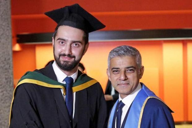 Syrian refugee achieves his dream of becoming a doctor http://betiforexcom.livejournal.com/27360915.html  Ten years, four countries, four medical schools and 21 houses later Tirej Brimo, a refugee who fled the Syrian war, is finally a doctor. Having been just 10 months away from graduating with a medical degree at a university in Aleppo, Brimo was forced to flee his homeland in 2012 due to the war, crisscrossing theMiddleEastbefore arriving in Britain in 2013. Last week, he graduated from…
