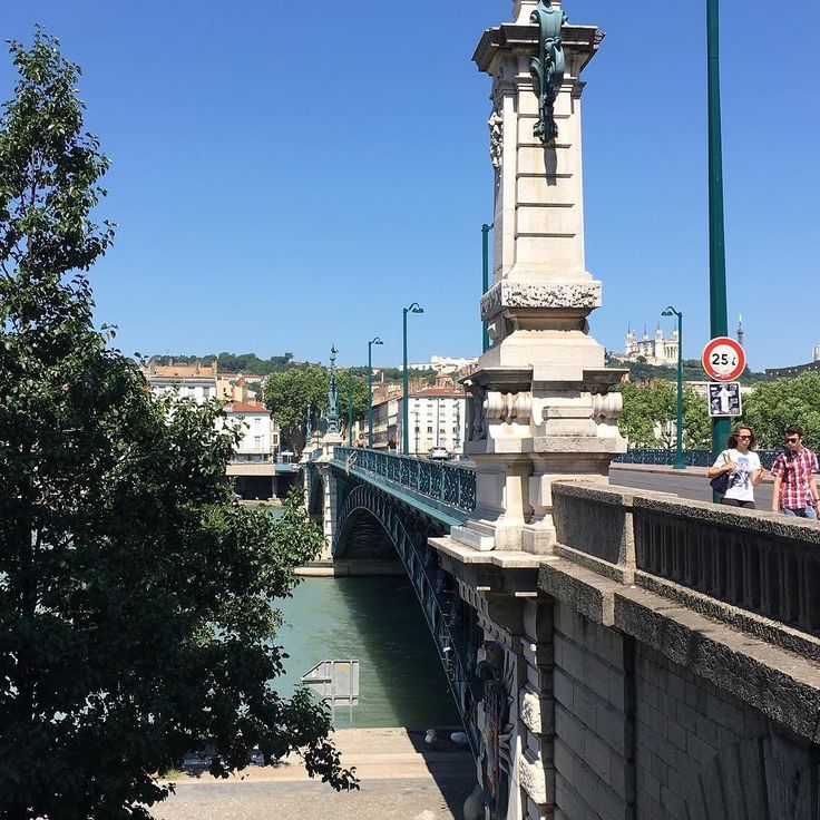 Lyon pont de l'université