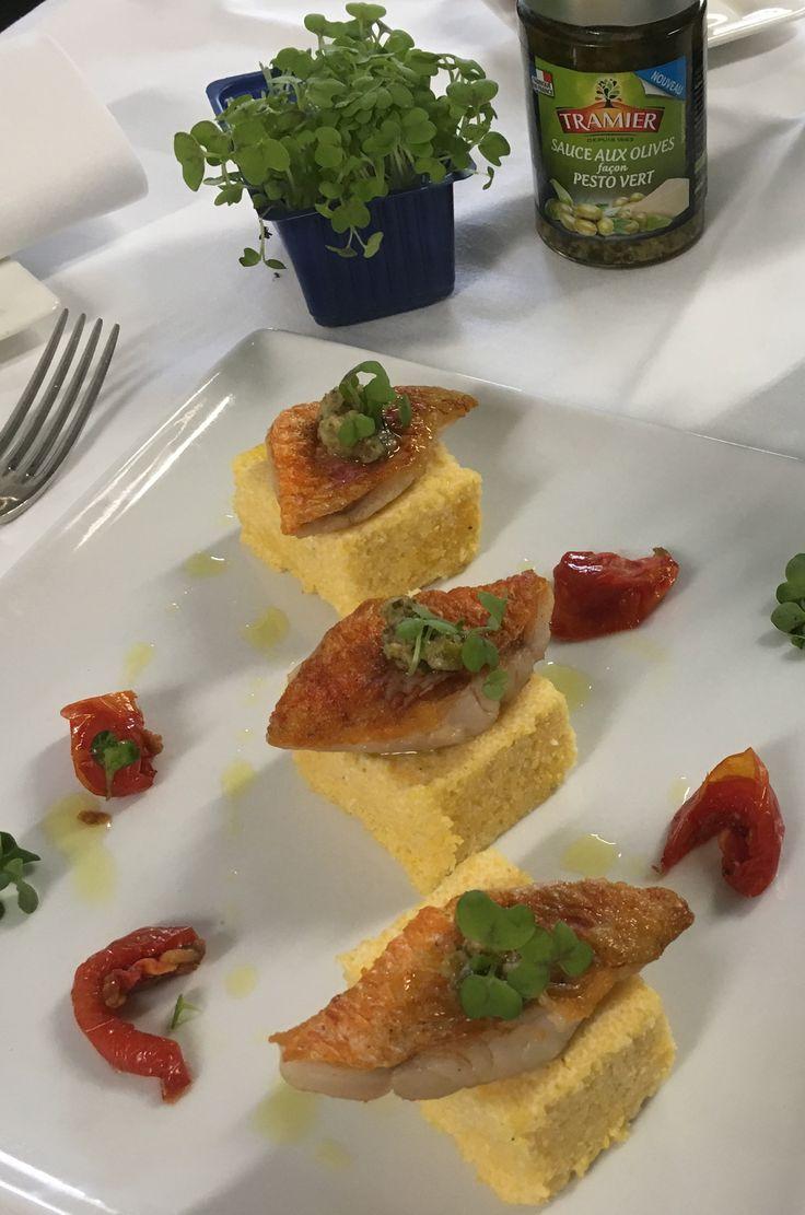 Polenta craquante et filets de rouget poêlés, sauce aux olives façon Pesto vert #recette #polenta