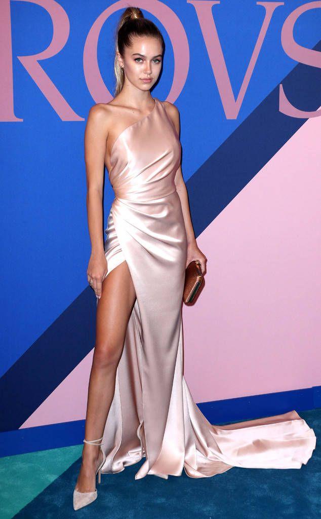 Delilah Belle Hamlin: cfda-fashion-awards-2017-red-carpet-arrivals