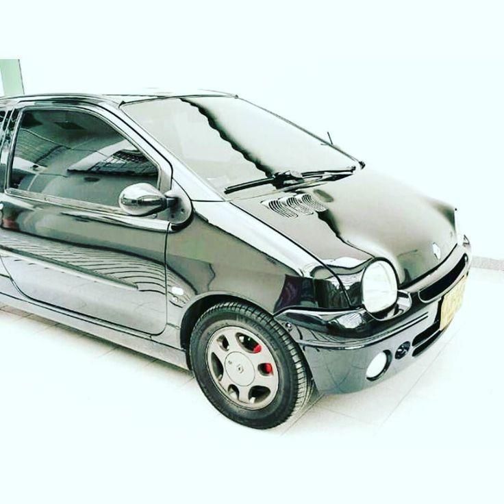 Thanks @diegoopulid car looks great!!   #twingo #renaulttwingo #renault #myshowcar #mycar #mycars #showmycar #showroom_car #ilovecars #carporn #automobile #carshowroom