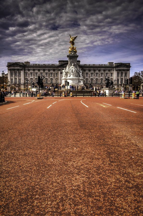 The Mall, Buckingham Palace, London. England