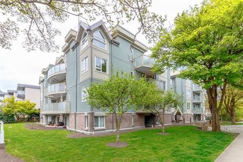 OPEN HOUSE 304-2710 Grosvenor Road, Sat. Dec 2, 2017 1:00 - 3:00pm.  Come visit this fantastic 2 bdr/2ba condo, for a home or an investment, this is a great opportunity. Remediated builidng with a Depreciation Report. #yyjrealestate #yyjcondos #condosforsale #victoriaproperties #sellingvictoriarealestate