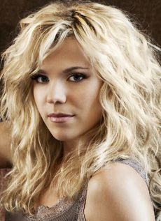 KIMBERLY PERRY | I'm not really into Blondes, but Damn, she is beautiful!