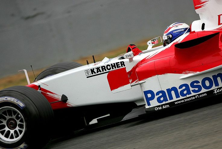 f1pictures: Olivier Panis Toyota 2005