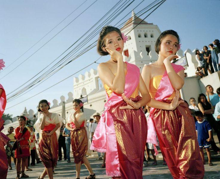 Martin Parr  THAILAND. Bangkok. Thanon Phra Sunzen street festival. 1998.