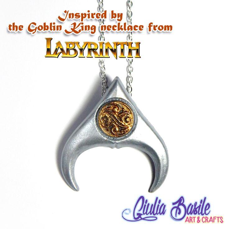 Collana del Re dei Goblin ispirata al film Labyrinth by Giuliart ~ Replica del pendente indossato da David Bowie ~ di Giuliart su Etsy https://www.etsy.com/it/listing/256717509/collana-del-re-dei-goblin-ispirata-al