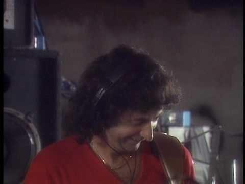Deep Purple - Perfect Strangers...  o clipe é meio tosco...rsrsr mas é Deep Purple!!!
