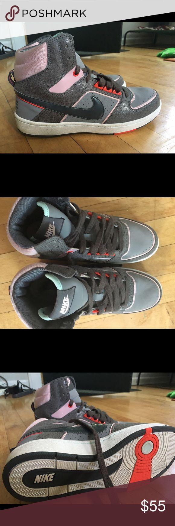 Nike hi tops, worn once indoors Nike hi tops, worn once indoors Nike Shoes Athletic Shoes
