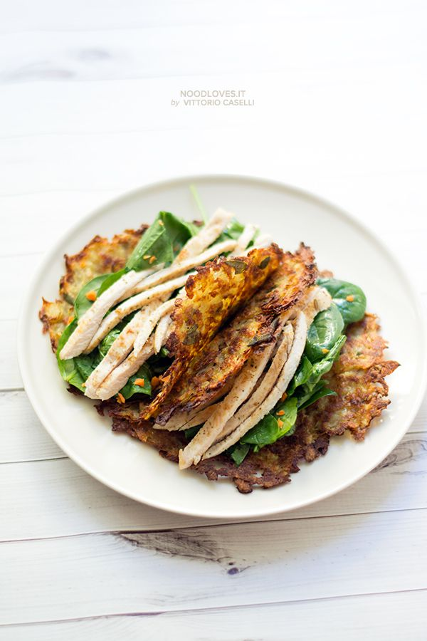 Rosti-Taco with spinach and chicken salad. Fresh, light and damn yummy!!  Here the recipe http://noodloves.it/taco-rosti-insalata-di-pollo/   #Lunch #Light #Ricetta #Tacos #Rosti #InsalatadiPollo #Noodloves #LovesCucchiaio