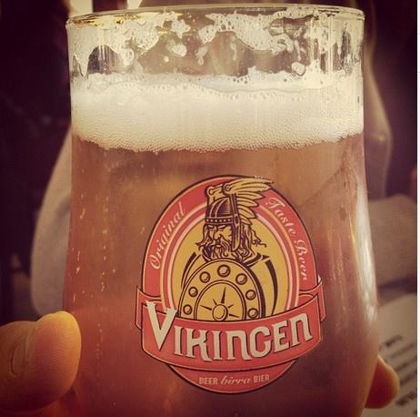 Guardando il #Vikingo dritto negli oggi... ;) #Vikingen #Beer | #Birra #Vikingen #happyhour #sangeminianoitalia - Grazie a @AngelaPonzini per questo scatto!