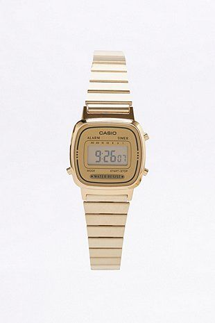 Urban Outiftters Casio gold watch €55