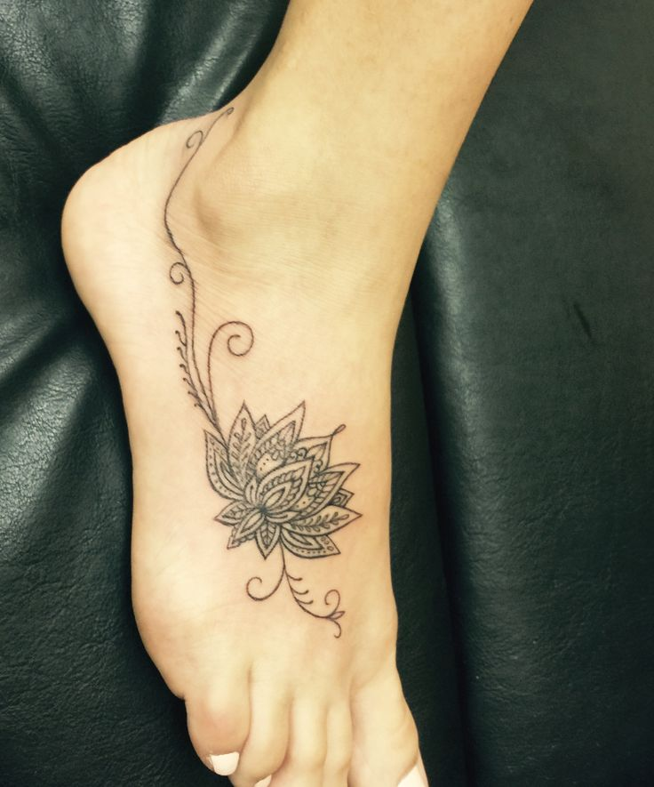 Foot Tattoos: Best 25+ Lotus Tattoo Foot Ideas On Pinterest