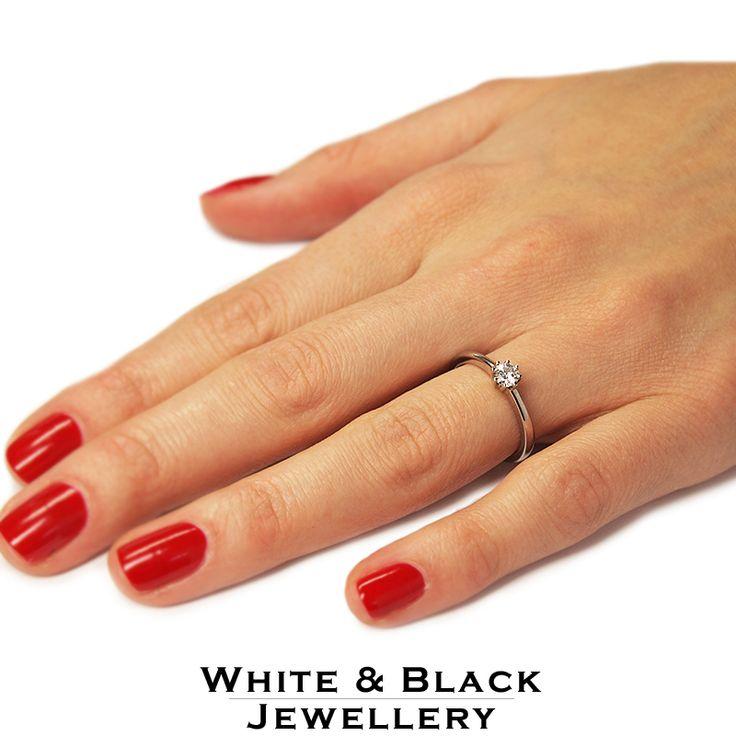 Gyémánt eljegyzési gyűrű - Solitaire hatkarmú