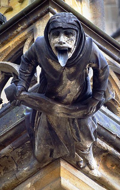 Язык горгульи на соборе Св. Вита/Вацлава/Войтеха (чеш. Katedrála svatého Víta/Václava/Vojtěcha), Чехия.