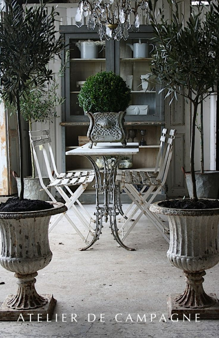 Best 25 french dining tables ideas on pinterest french for Dining table dressing ideas