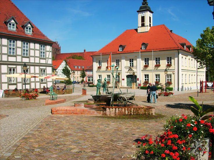 """Marktplatz Angermünde - Ferienwohnung """"Neu Dessau"""" – Google+"""