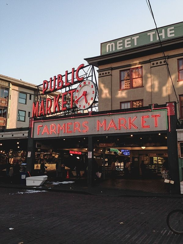Our first trip to Seattle back in October 2013 was the first time my wife and I went on a vacation after having our first born child… so this was quite special. We instantly fell in love with it mostly because of the weather.