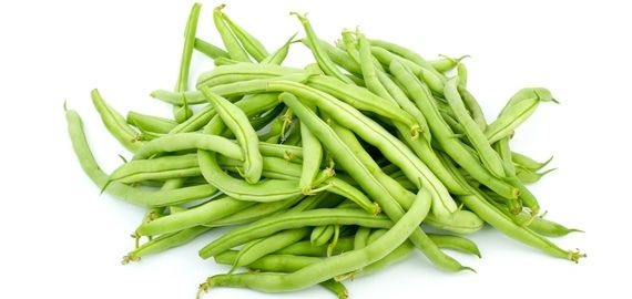 Eat green beans fresh or canned, either way get lots of vitamins and minerals to keep you healthy #nutrition #food #greenbeans