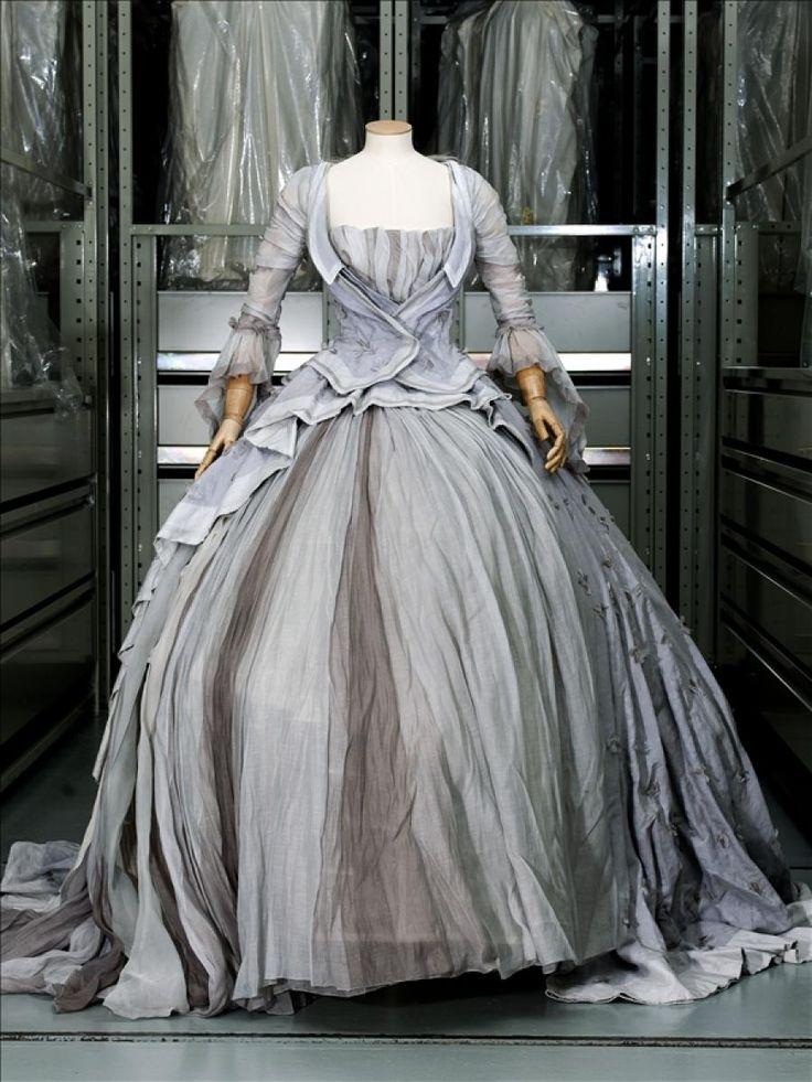 """'' Marie - Antoinette """" dress by Rochas Olivier Theyskens .Gift of maison Rochas 2006 GAL2006.98.6.2 Palais Galliera,  musée de la Mode de la Ville de Paris"""