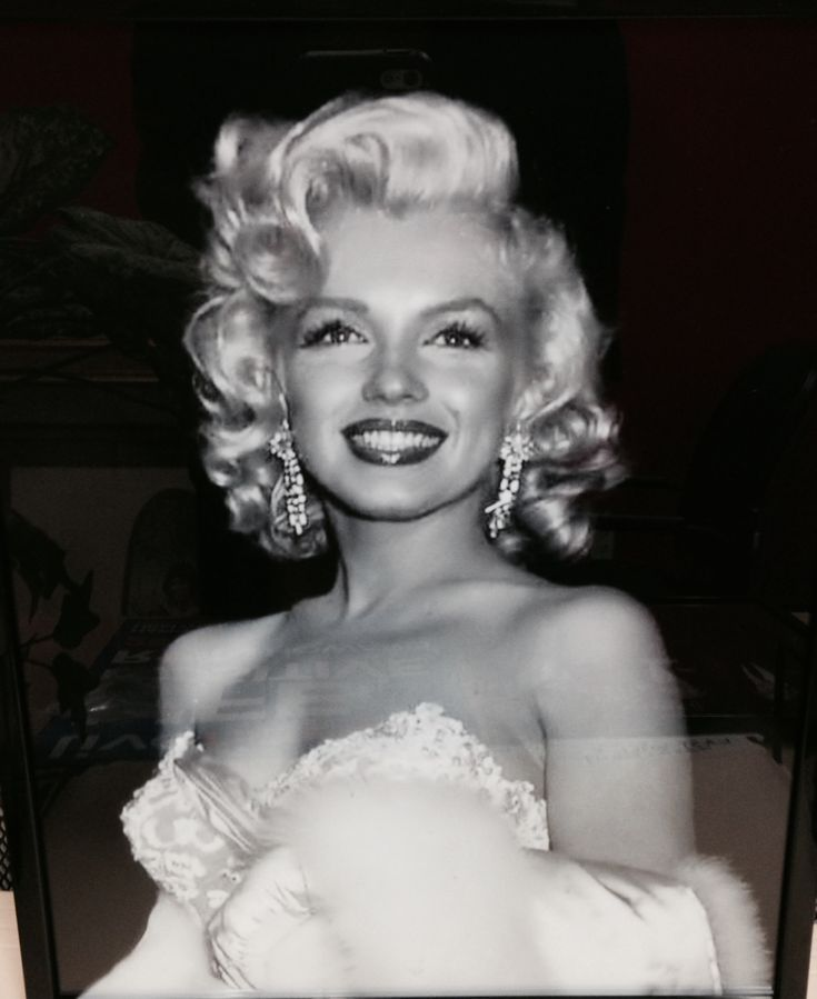 25 melhores ideias sobre fotos marilyn monroe no. Black Bedroom Furniture Sets. Home Design Ideas