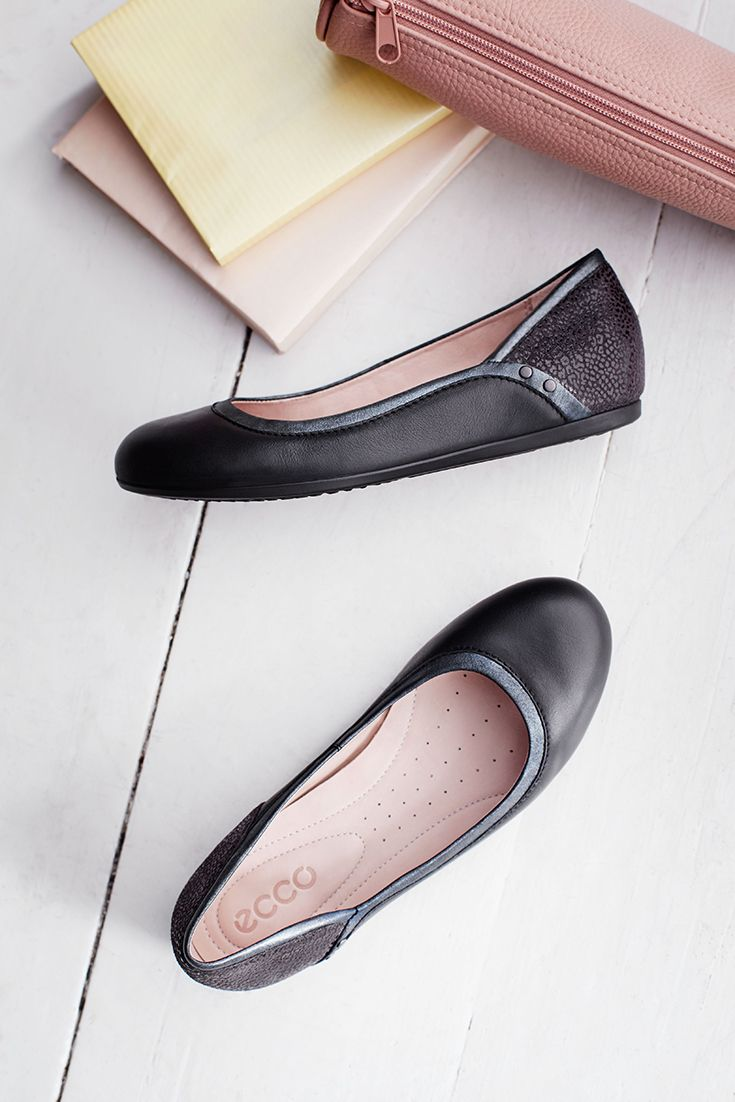 Providing a soft and comfortable fit, this ballet pump is lined in breathable leather to ensure little feet are kept fresh and cool. Simple and understated, this essential design also ensures every step is cushioned, thanks to the flexible, direct-injected PU sole. #backtoschool #girls #shoes