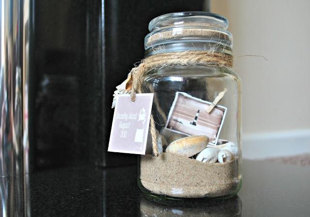 This is the cutest souvenir idea...a memory jar.  What a fun keepsake.