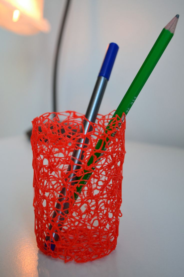 Elegant pen holder with passionated color. Hand-made using 3D printing pen.