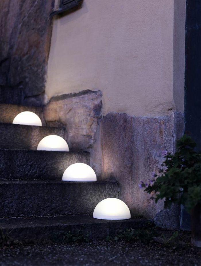 tolles gartenbeleuchtung fuer einen schoenen garten bei tag und nacht katalog bild und acffacd solar powered lights solar garden lights
