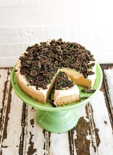 A frozen twist on one of South Africa's all-time favourite sweet treats: peppermint crisp pudding
