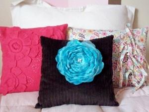 http://www.furnitureinturkey.com/adorn-house-accent-throw-pillows/