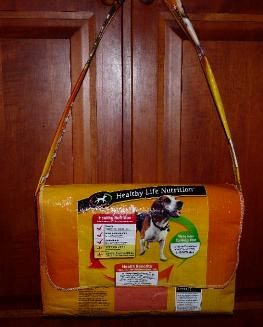 Tutorial: Messenger from recycled dog food bag