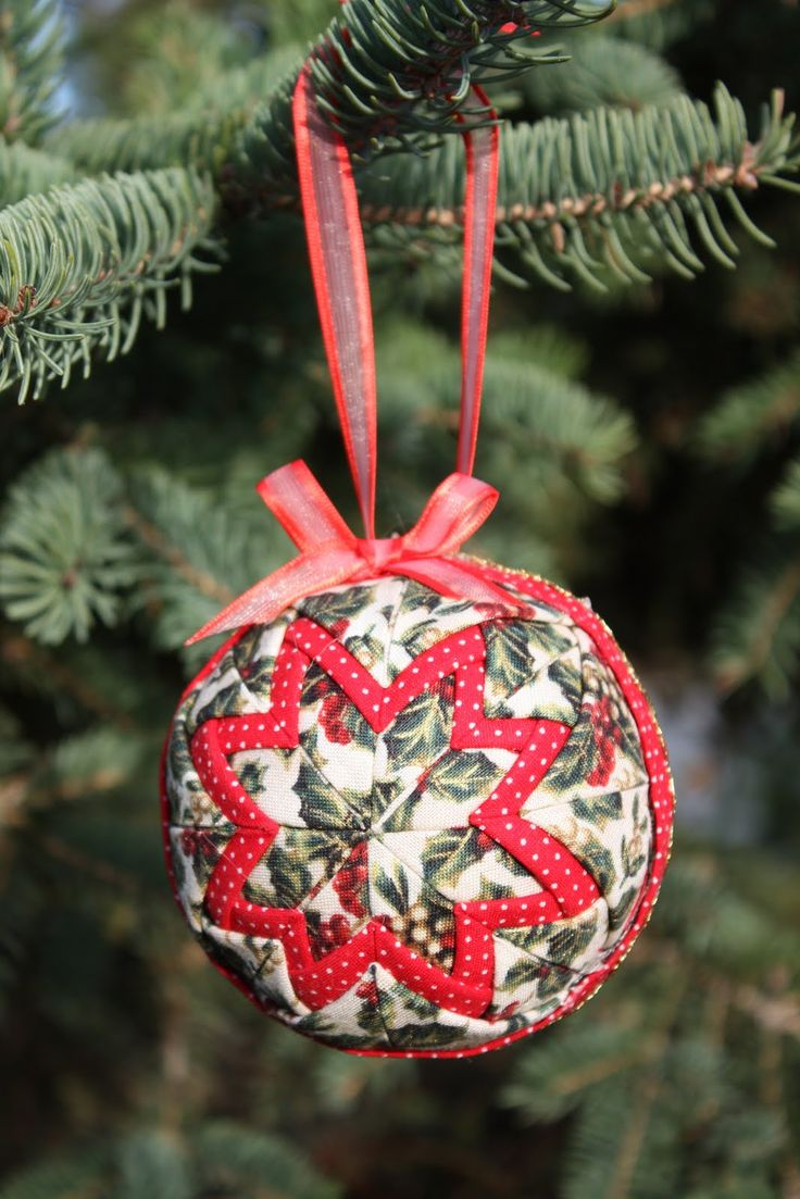 40 best Quilted Ornaments images on Pinterest | Christmas crafts ... : quilted fabric ornaments - Adamdwight.com