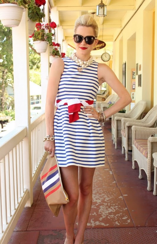 والأسود يميز تشكيله أزياء مونيك ولييه 2012-2013تصميم الأزياء  أزياء