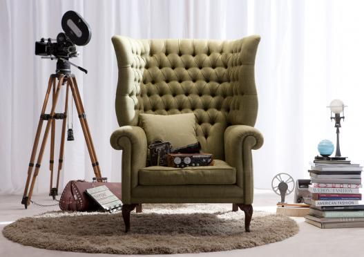 Kingdom armchair (spring 2012 collection), 100% hand-made by Italian Brianza Masters in Meda.  English-style Chesterfield armchair completely reinterpreted by Berto Design Studio.