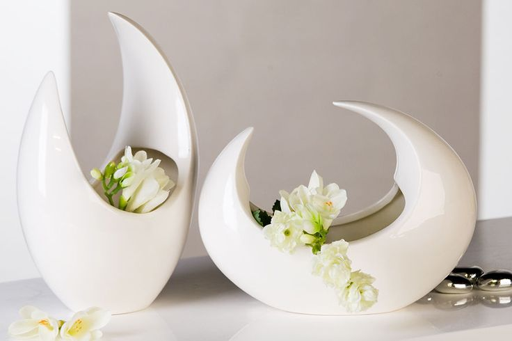 moderne deko vase blumenvase luna aus porzellan wei h he 17 oder 24 cm. Black Bedroom Furniture Sets. Home Design Ideas