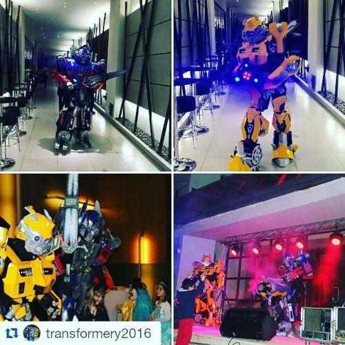 """#Bumblebee / #Бамблби и #Optimus Prime #Оптимус Прайм, аниматоры в костюмах роботов-трансформеров производства мастерской """"Страна радости"""", stranaradosti.ru"""