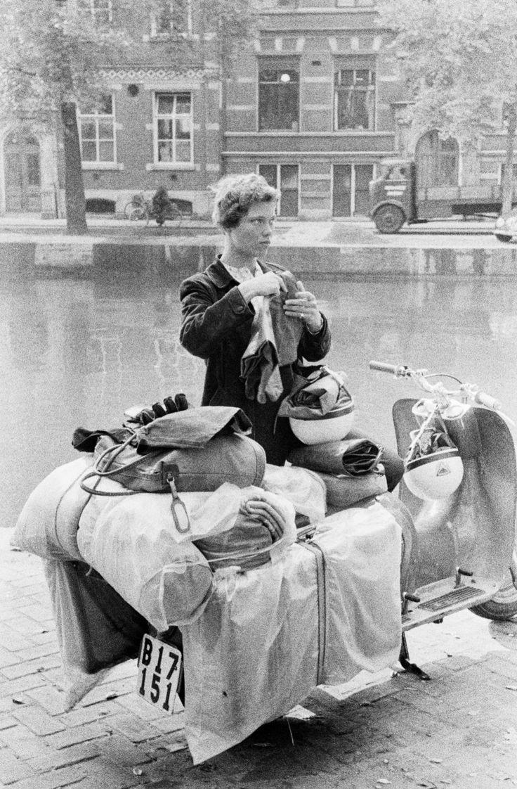 Tourist in Amsterdam Ed van der Elsken