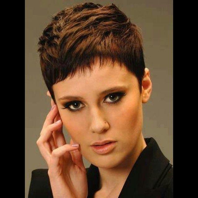 10 aantrekkelijke korte kapsels speciaal voor dames met bruin haar. - Pagina 3 van 10 - Kapsels voor haar