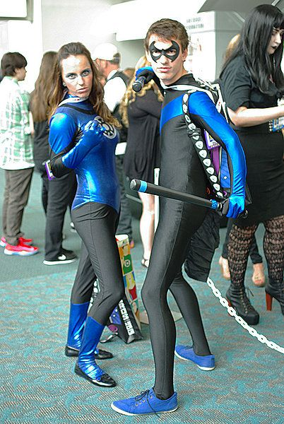 Cosplay Blue Lantern & Nightwing | Blue Lanterns - Cosplay ...