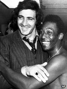Italy football legend Giorgio Chinaglia dies aged 65  Pele with Giorgio Chinaglia in 1976 Giorgio Chinaglia joined Pele at the New York Cosmos in 1976  Continue reading the main story  Related Stories        * Police move in over Lazio shares    Former Italy football international Giorgio Chinaglia has died aged 65 at his home in Florida, friends and former colleagues have confirmed.  http://www.bbc.co.uk/news/world-us-canada-17580660