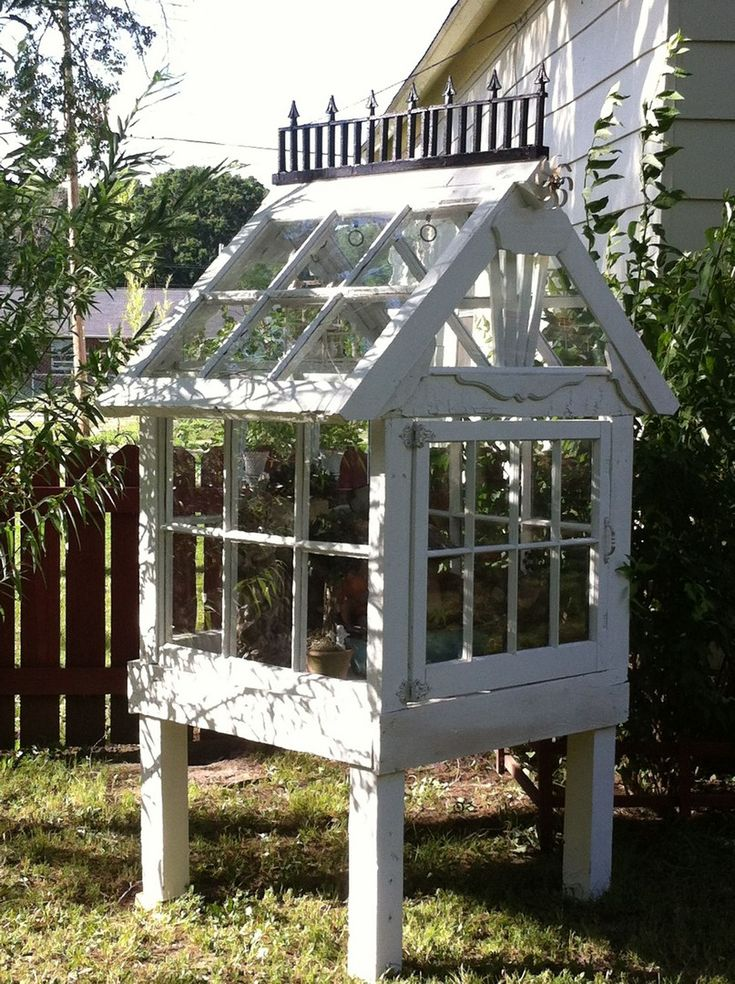 23 Small Greenhouse Made From Old Antique Windows