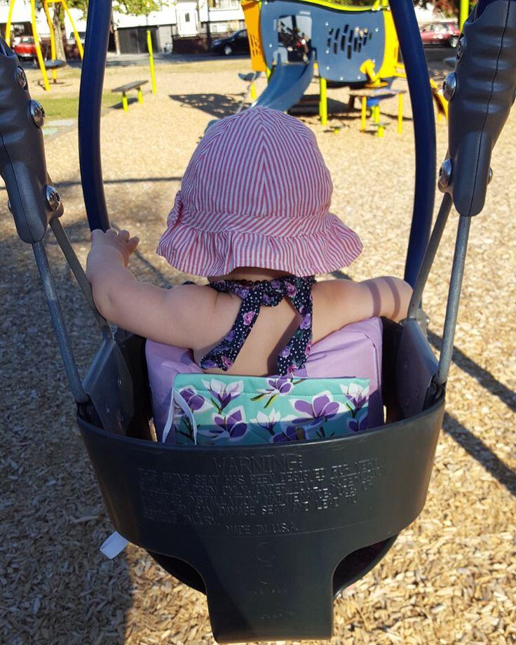 Babyswing, baby gear, baby essential, baby stuff, Swing Thing, baby girl, baby shower. Www.swingthing.ca
