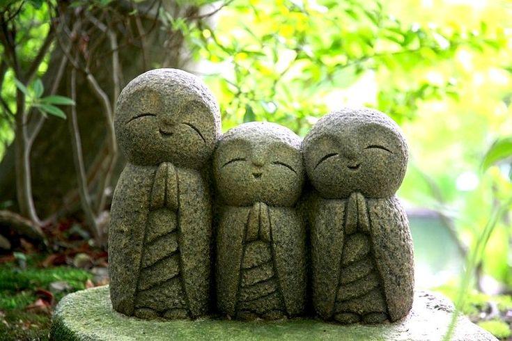 carvings at Kamakura ~ Japan Info