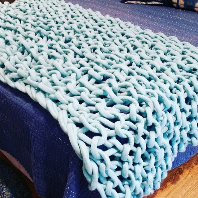 extreme knitting  chunky knit throws chunky knit blankets merino wool