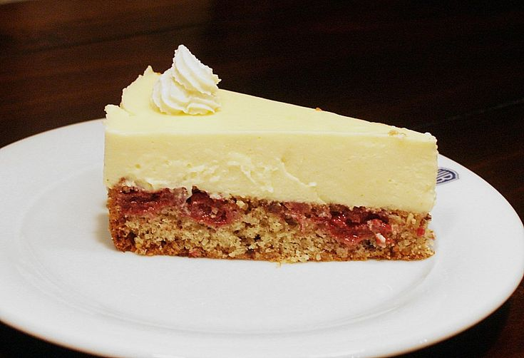 Eierlikör - Torte mit Sauerkirschen  Recipe in German   Rezept auf Deutsch