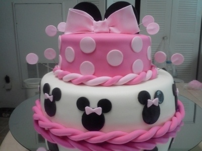 Minnie Mouse Cake By lvelezr on CakeCentral.com