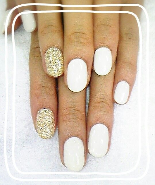 #whitenails #shortnails #golden