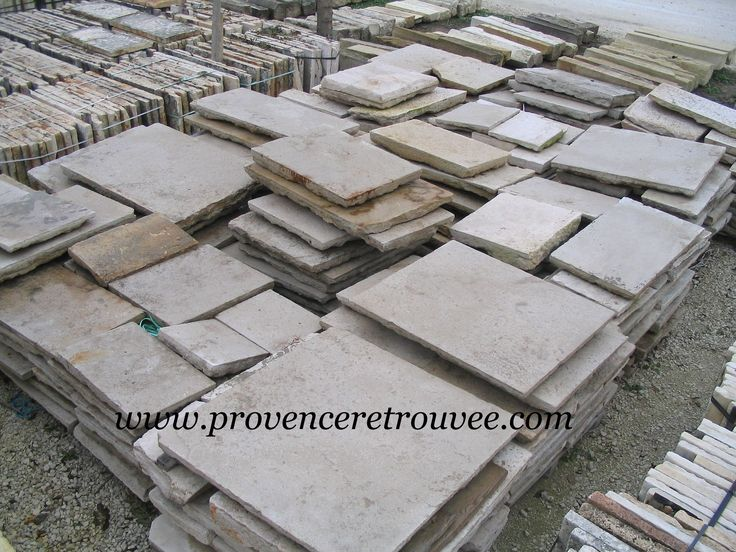 Dalles anciennes en pierre authentiques. Quantités des lots variables selon les démolitions.